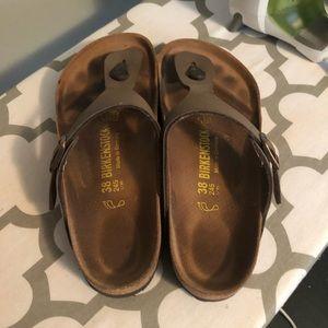 Birkenstock Shoes - Brown Thong Birkenstock Size 8